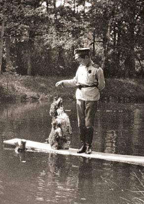 Цесаревич Алексей со спаниелем Джоем