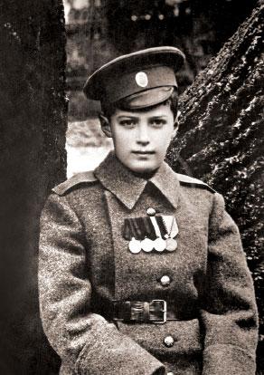 Цесаревич Алексей в шинели
